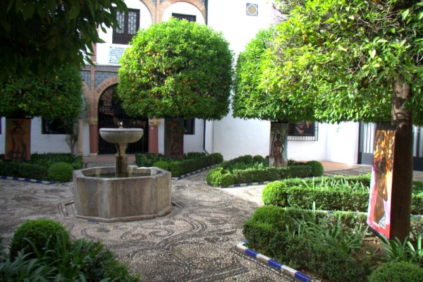 PATIO INTERIOR DE LA CASA MUSEO JULIO ROMERO DE TORRES