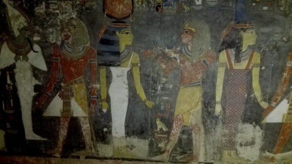 POLICROMÍAS EN LA TUMBA KV57, HOREMHEB