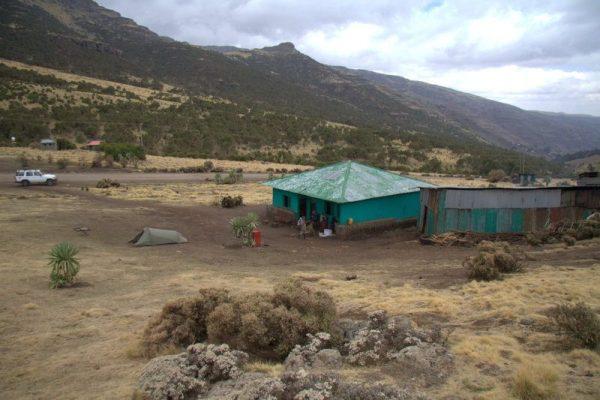 CAMPAMENTO DE CHENNEK EN EL PARQUE NACIONAL SIMIEN MOUNTAINS