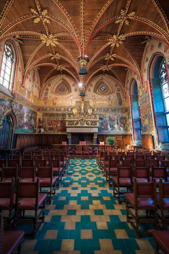 What to do in Bruges: visit the city hall's gothic hall
