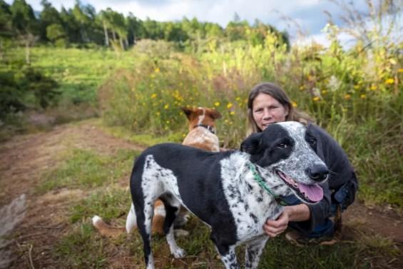 Petal met de twee honden