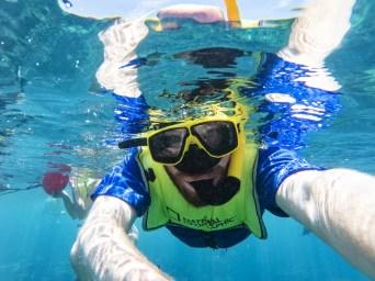 Jonathan Ramael snorkelt in Aruba