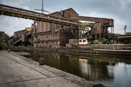 lege urbex fabriek in charleroi