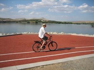 Els op fiets naar park