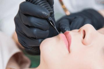 Contorno labbra semipermanente