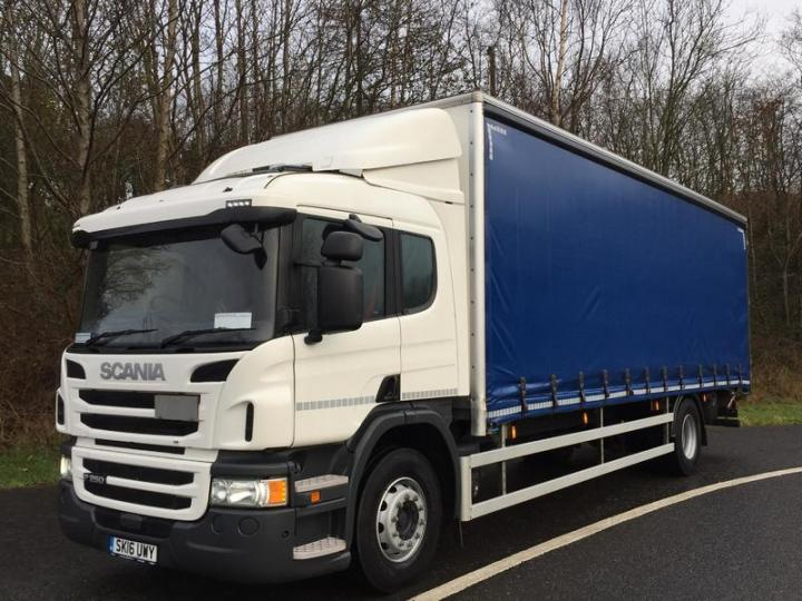 Curtainsider Truck Scania P250 Picture 1