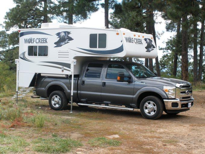 Wolf Creek 850 Truck Camper