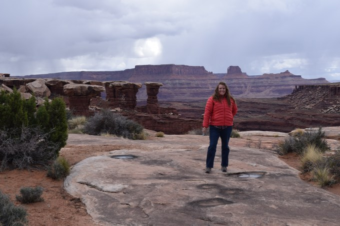 Canyonlands White Rim Trail - Musselman Arch - Truck Camper Adventure