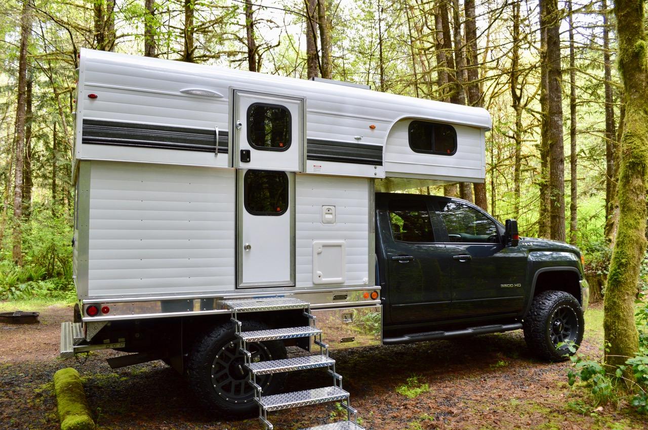 In The Spotlight 2018 Alaskan 8 5 Flatbed Side Entry Camper Truck Camper Adventure