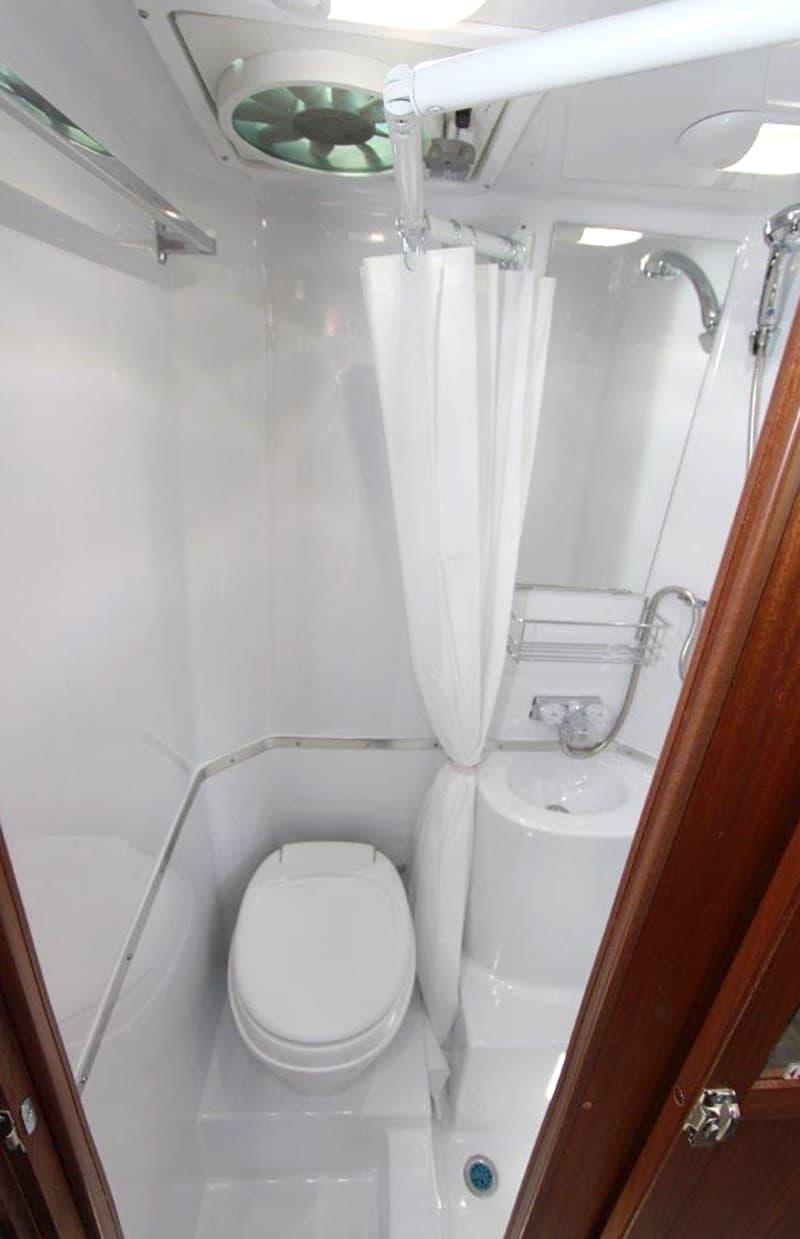 2018 Northern Lite 8 11 EX Short Bed Dry Bath Fiberglass Camper