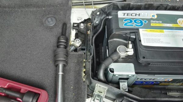 Batterie sous siège Touareg