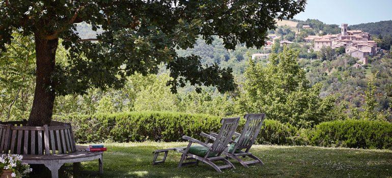 Villa Campo Rinaldo in Umbria - Furnished Courtyard