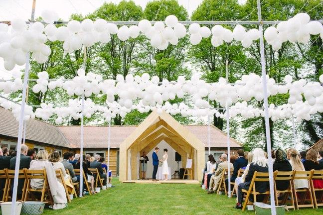 weddings vow renewals night yard wedding true blue ceremonies independent wedding celebrant katie keen kent