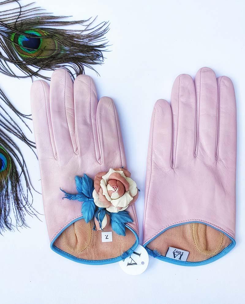 Kassia - Schafsleder Handschuhe mit Blume, Zartrosa