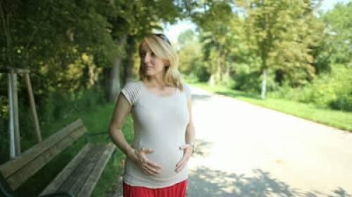 Πώς-επηρεάζει-ο-θυρεοειδής-την-εγκυμοσύνη