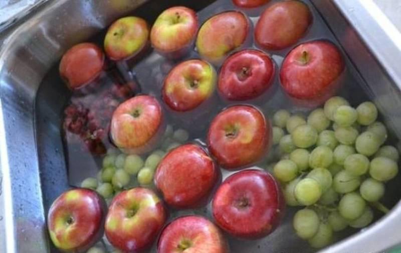 Αυτό Είναι Το Κόλπο Για Να Απαλλαγείτε Από Τα Φυτοφάρμακα Σε Φρούτα Και Λαχανικά