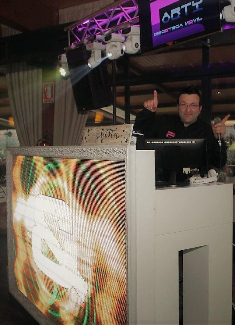 Un café con Yolinda- Entrevista a Miguel, DJ-  Discomóvil Party