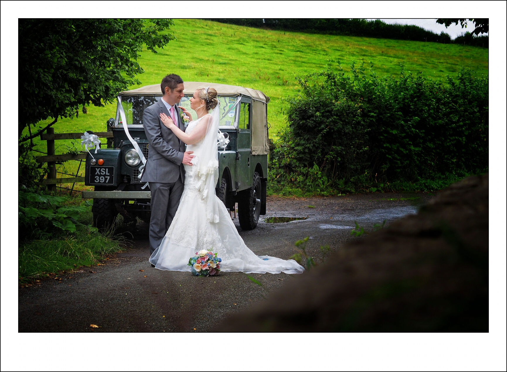 photographer in oswestry covering weddings