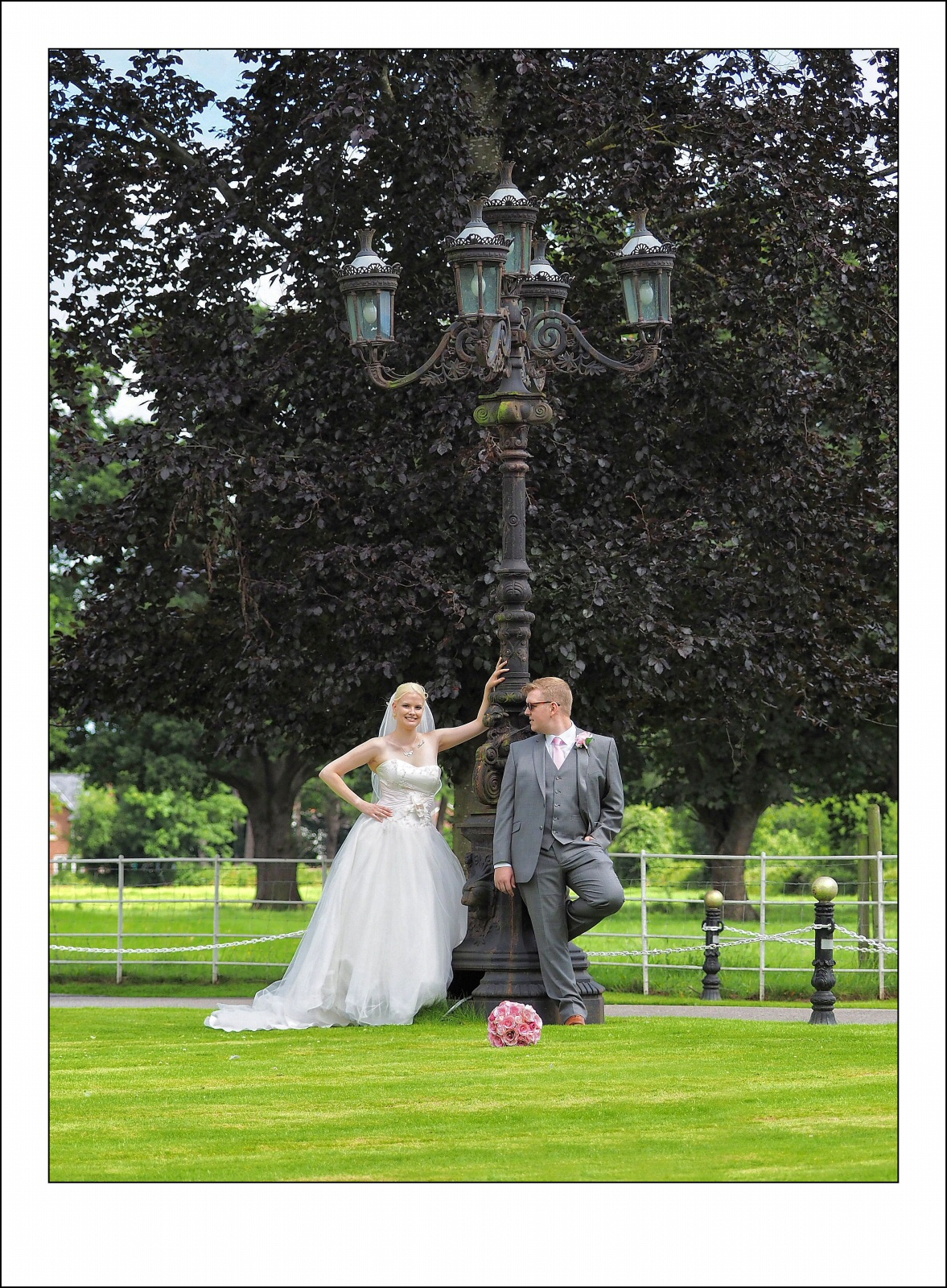 wedding,photography,llyndir hall