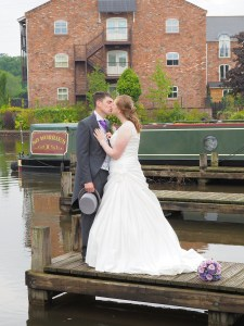 A stolen kiss at the canal side