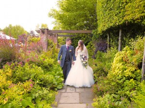 Lion Quays gardens - perfect for those relaxed, natural wedding shots