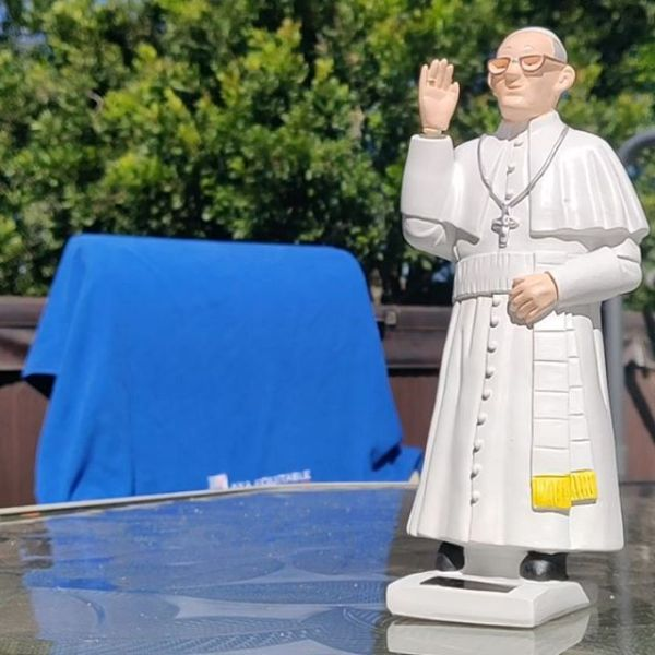 """What do you get the dad who has everything, @encurran ? A solar-powered Pope Francis waving """"whatup!"""" whenever it's sunny... and it's ALWAYS sunny in Santa Barbara!"""