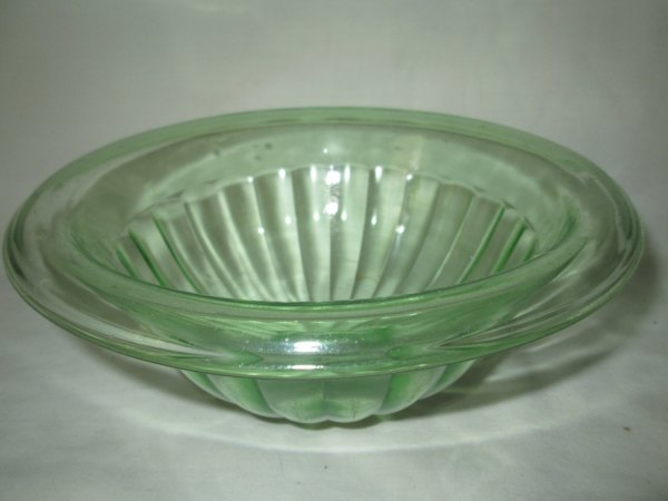 Beautiful Vintage Green Depression Glass Bowl with wide rim Mixing bowl