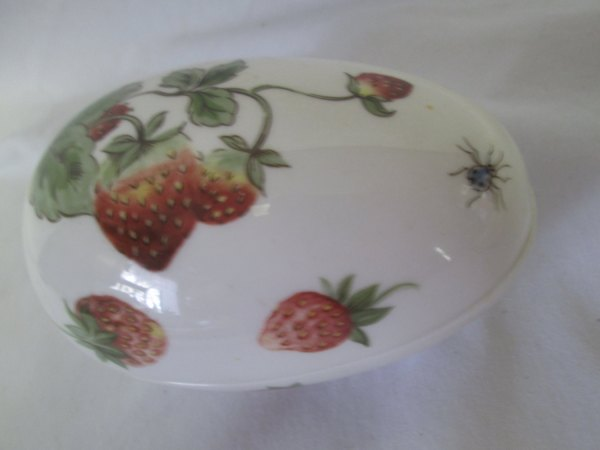 Beautiful Strawberry Adorned Colport Egg Shape Trinket Box Vintage decor collectibles