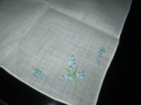 Pretty Blue and Green embroidered floral hankie handkerchief great condition