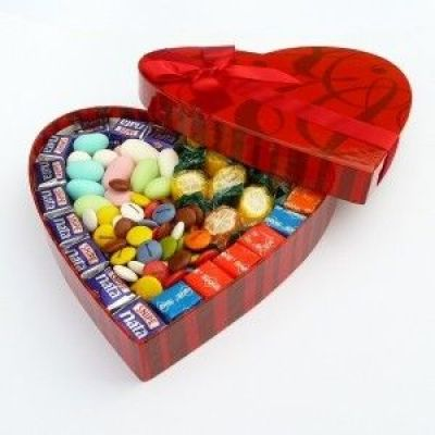 corazon con caramelos san valentin