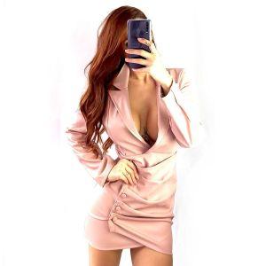 vestido-chaqueta-cuero-rosa
