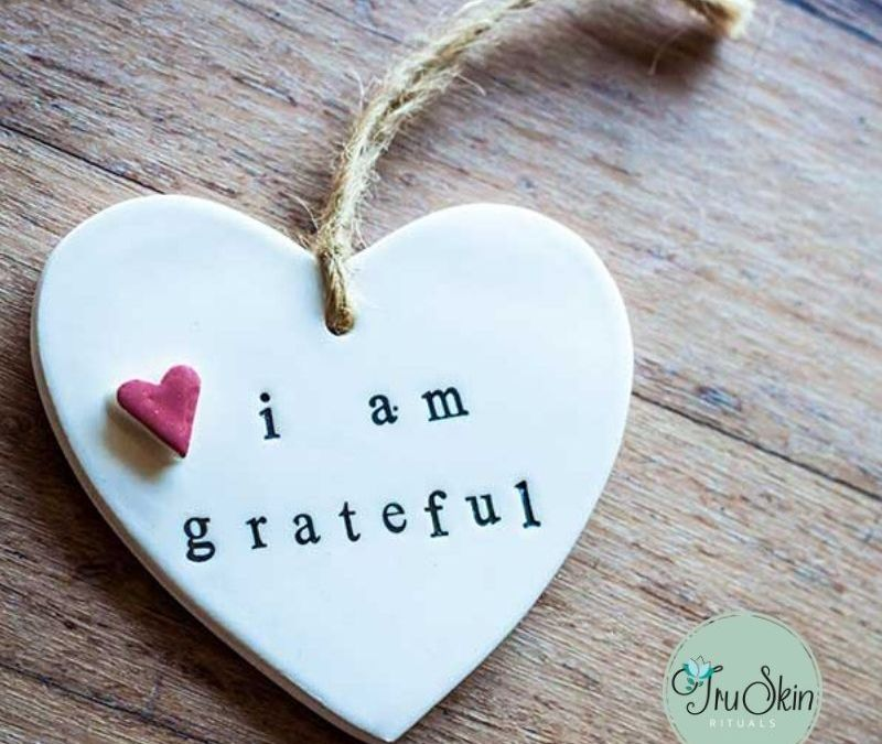 'Tis the Season of Gratitude – The Science Behind Looking Beautiful By Being Grateful and Feeling Happy