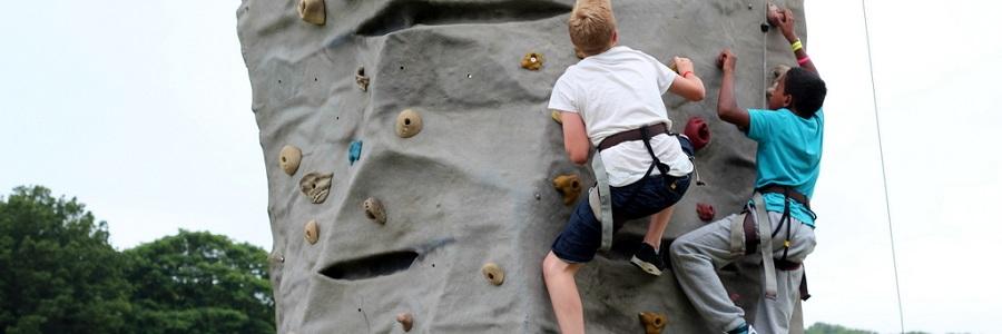 Wild Park Climbing 2 900 x 300