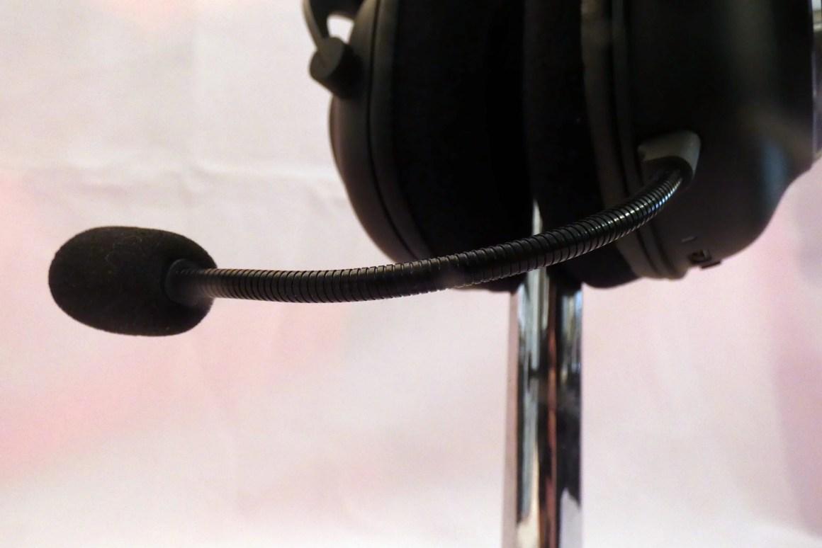 Пожалуй, микрофон - слабое место гарнитуры.