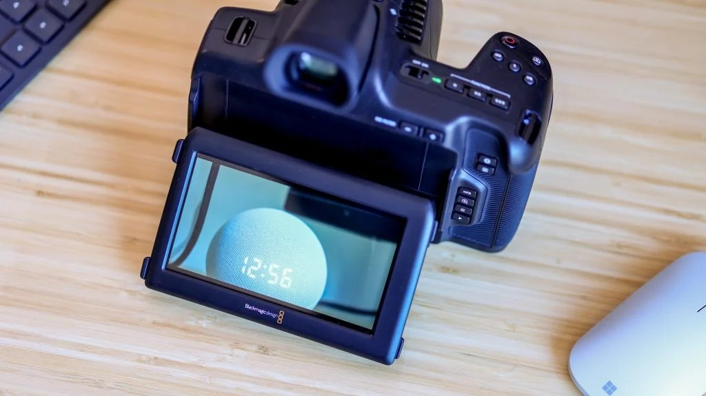 Карманная кинокамера Blackmagic 6K Pro