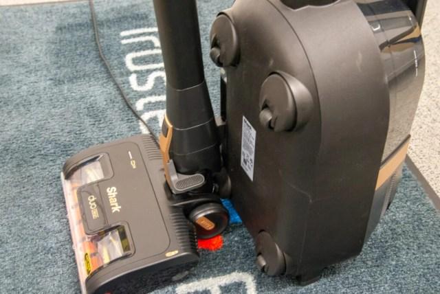 Shark Bagless Cylinder Vacuum Cleaner CZ500UKT storage clip
