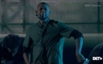 """Usher and Young Thug Perform """"NO LIMIT"""" the Master P Song at BET AWARDS"""