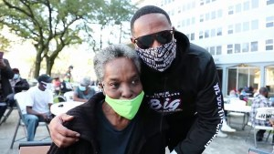 MASTER P AND BIG POPPA RESTAURANT FEED THE ELDERLY IN THE COMMUNITY