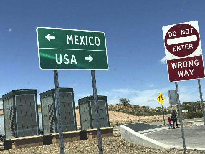 Desperate Asylum Seekers Running Through Traffic at Border ...