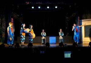 Anti-cult themed Opera in Huagu