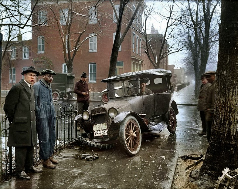 Car accident in Washington, 1921