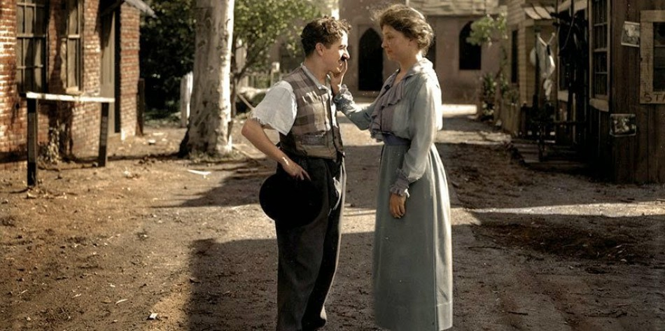 Helen Keller meets Charlie Chaplin in 1919.