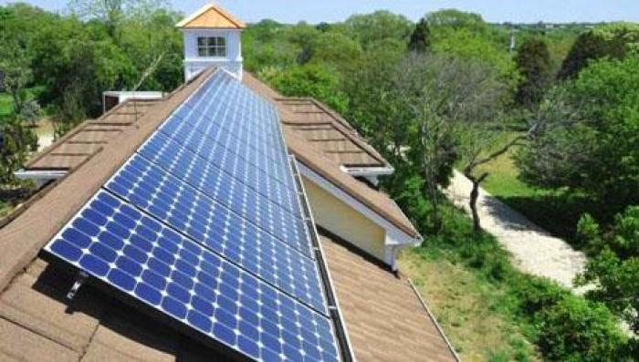 France-Declares-All-New-Rooftops-Must-Be-Topped-With-Plants-Or-Solar-Panels-2