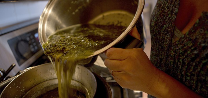 cannabis-oil-making
