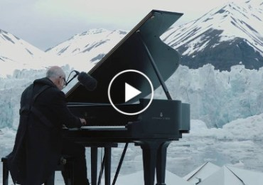 Internationally acclaimed pianist plays piano in the middle of the Arctic Ocean1