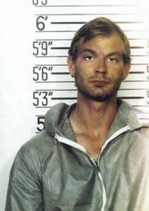 jeffrey_dahmer_milwaukee_police_1991_mugshot