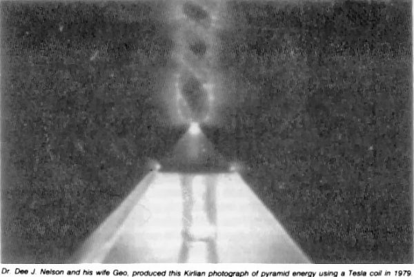 pyramid-apex-vortex-kirilian-1979