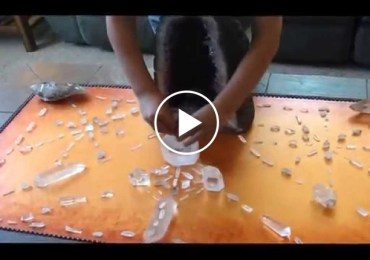 this-8-year-old-kid-uses-crystal-grids-to-transmute-negative-energy-and-explains-how-it-works