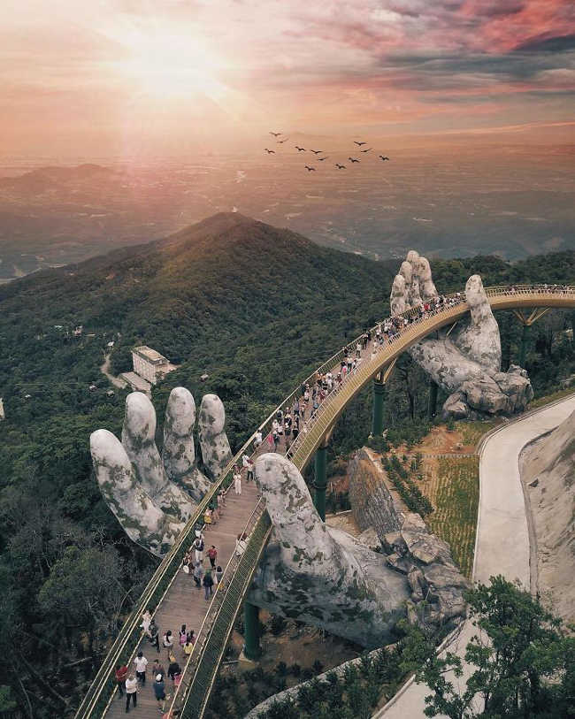Spectacular Bridge in Vietnam Will Make You Feel like You Are in a Dreamland-4