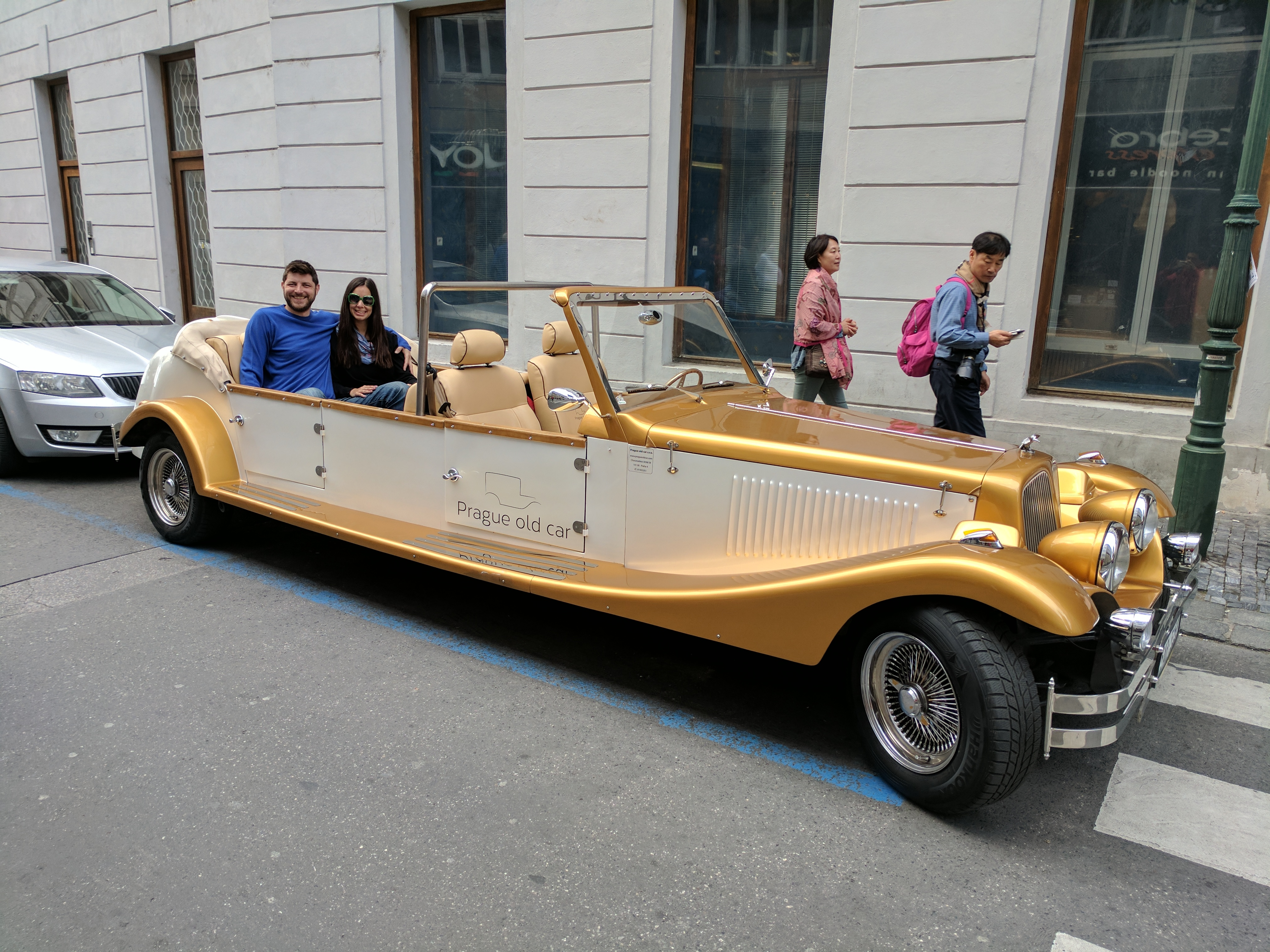 A stunning retro vehicle tour in Prague - Traveling outside the box